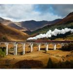 Glenfinnan Viaduct mit Zug